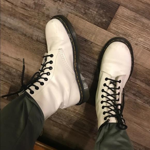 341dcbab38b6 Dr. Martens Shoes - White Dr Martens mens 6   women s 7 - 8.5